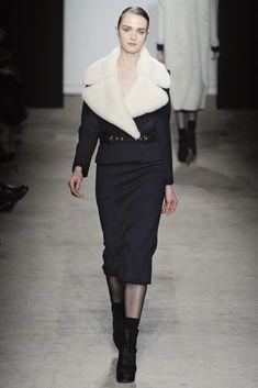 Véronique Leroy Fall 2011 Ready-to-Wear Collection Photos - Vogue