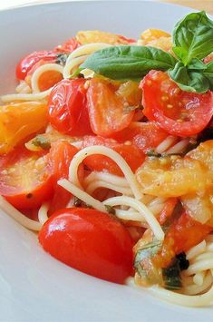 "Roasted Cherry Tomatoes with Angel Hair | ""This was a very good light meal. I loved the fresh basil and cherry tomatoes.""  #pasta #pastarecipes #pastainspiration #pastadinner #pastaideas #pastadinner #pastaideas Roasted Cherry Tomatoes, Angel Hair, Baked Ziti, Weight Watchers Meals, Light Recipes, Caprese Salad, Tasty Dishes, The Fresh, Pasta Recipes"