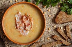 Easy Dutch erwten soep / pea and ham soup recipe Chili Recipes, Soup Recipes, Easy Recipes, Pea And Ham Soup, Pea Soup, Cooking Tips, Cooking Recipes, Stewed Potatoes, Winter Soups