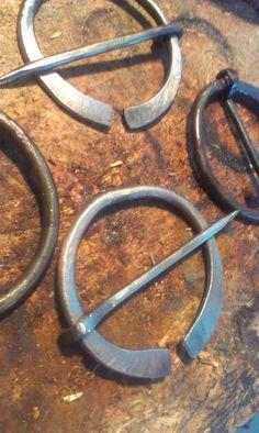 More cloak pins by ~JoshSkaarup on deviantART Wire Jewelry, Silver Jewelry, Jewlery, Medieval Cloak, Celtic Bracelet, Open Ring, Blacksmithing, Shawl, Jewelry Making