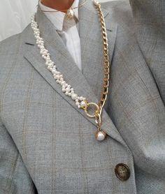 Baguette Diamond Necklace/ Gold Baguette and Round Cut Diamond Necklace/ Minimalist Baguette Necklace/ Dainty Mix Diamond Necklace - Fine Jewelry Ideas Cute Jewelry, Pearl Jewelry, Gold Jewelry, Beaded Jewelry, Jewelry Necklaces, Women Jewelry, Jewellery, Jewelry Stand, Dainty Jewelry