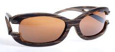 Gafas de sol en madera, filtro UV, Mujer, marca Maguaco S016. Maderas: Macana y Guadua. $180.000 COP