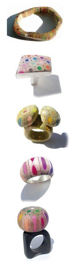 Anillos hechos con crayones de colores, muuy originales --- Maria Cristina Bellucci