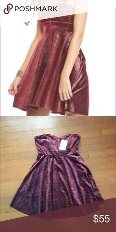 Free People Sparkle Velvet Dress Super cute velvet dress with attachable straps! NWT. Super great for the holidays! Also available in blue in my closet. This is a Burgundy berry color. Free People Dresses Mini