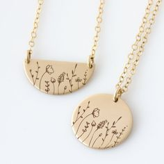 Wildflowers Necklace Flower Disc Necklace Mother Daughter Wildflower Necklace Sisters Necklace Birthday Gift Bridesmaid Gift for Her by LEILAjewelryshop Nameplate Necklace, Gold Bar Necklace, Disc Necklace, Moon Necklace, Necklace Lengths, Necklace Charm, Dog Tag Necklace, Sister Necklace, Mother Daughter Necklace