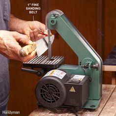 Most carpenters know that a belt sander can produce a reasonably acceptable edge on a dull chisel. - Provided by The Family Handyman Home Tools, Diy Tools, Tool Organization, Tool Storage, Storage Spaces, Knife Making Tools, Sharpening Tools, Chisel Sharpening, Beil