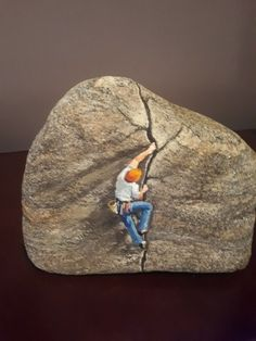 Pinturas sobre pedras - All For Garden Rock Painting Patterns, Rock Painting Ideas Easy, Rock Painting Designs, Pebble Painting, Pebble Art, Stone Painting, Painted Rock Animals, Hand Painted Rocks, Stone Crafts