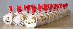 Ballotins de Noël Framelits Joyeuses Etiquettes et son tutoriel par Marie Meyer Stampin up - http://ateliers-scrapbooking.fr/