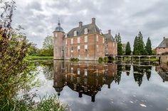 Kasteel Slangenburg-Slangenburg Castle is a castle in the municipality of Doetinchem in the province of Gelderland in the Netherlands