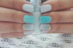 """81 curtidas, 2 comentários - Jéssica Dos Santos (@jehhdossantoss) no Instagram: """"Azulindo! #ateliedaje #unhasdecoradas #unhaslindas #agenteama #vempraca ❤❤❤"""""""
