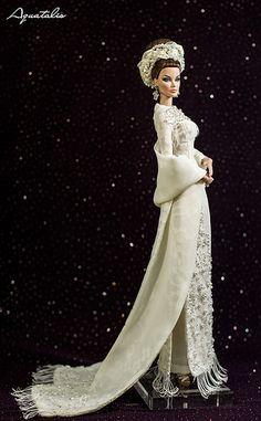 "The "" Rare Jade "" Ao Dai - Vietnamese Traditional Costume by Aquatalis Fashion Royalty Dolls, Fashion Dolls, Barbie Clothes, Barbie Dolls, Dolls Dolls, Barbie Wedding, Barbie Bridal, Russian Wedding, Poppy Parker"