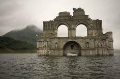 Seca na região de Chiapas fez com que a construção colonial surgisse depois que o nível do reservatório caiu 25 metros