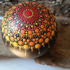 Neuer Mandala Stein entsteht