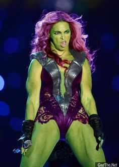 Asshole, qwerty9989, requests a photoshop of Beyonce as She-Hulk in /r/picrequests, then posts the result in /r/funny as his own work.