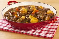 Tastee Recipe Simple Stew Inspired By The Pilgrims, Themselves - Page 2 of 2 - Tastee Recipe - Cholent Recipe, Tastee Recipe, Beef And Potato Stew, Easy Beef Stew, Potato Pie, Apple Recipes, Meat Recipes, Creamed Beef, Best Casseroles