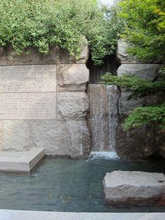Franklin Delano Roosevelt Memorial_05 Origami Architecture, Landscape Architecture, Landscape Design, Garden Design, Lawrence Halprin, Franklin Delano, Indoor Waterfall, Home, Places