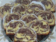 Rozi Erdélyi konyhája: Kakaós püspökkenyér Hungarian Desserts, Hungarian Cake, Hungarian Recipes, Cake Cookies, Cupcakes, Eastern European Recipes, Ring Cake, Torte Cake, Cooking Recipes
