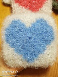 Diy Crochet, Shag Rug, Bubbles, Crochet Patterns, Knitting, Projects, Home Decor, Threading, Gloves