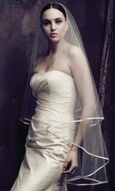 Wedding Dress Accessories - Veil Ivory Finger Tip Paloma Blanca V409F $145 USD - New With Tags/ Unaltered