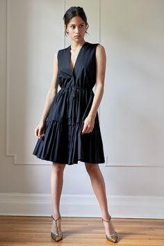 Model 1 - Veronica Dress - Black - 8/40