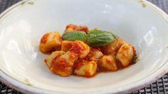 Pomarola ~ Simple fresh tomato and basilsauce