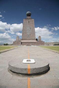 La Mitad del Mundo en Ecuador - The Equator in Ecuador...  http://1502983.talkfusion.com/demos/