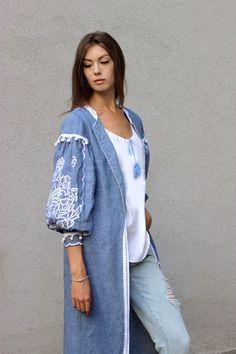 Ллянуа накидкуа з вишитими рукавами від бренду Синій Льон