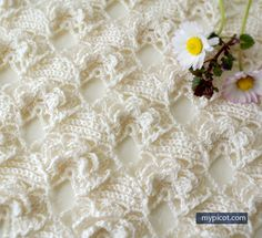 1 of 3 | MyPicot | Crochet Flower Stitch | Free crochet patterns. ||  ♡ AMAZING!!! I DON'T KNOW HOW SHE DOES IT!!! EACH ONE, SO BEAUTIFUL! ♥A