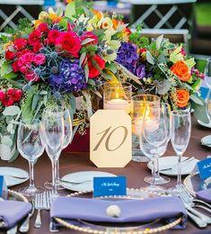 """105 Synes godt om, 3 kommentarer – Elegant Events & Company (@eleganteventsllc) på Instagram: """"Colorful blooms for a gorgeous outdoor wedding reception! #elegantevents @seemz @bloomboxdesigns…"""""""
