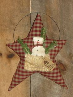 ≈ Prim star in red homespun gingham with snowman in pocket. maybe a tiny skinny tree instead of sprigs? Rustic Christmas Crafts, Primitive Christmas, Christmas Snowman, Christmas Projects, Holiday Crafts, Christmas Holidays, Christmas Decorations, Christmas Ornaments, Country Christmas