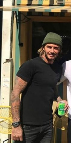 Estilo David Beckham, David Beckham Style, Style Men, My Style, Stylish Man, Men Stuff, Handsome Man, Hair And Beard Styles, Soccer Players