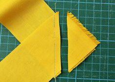 Tischsets nähen Edc, Stitch, Sewing, Crafts, Names, Makeup, Scrappy Quilts, Clothing, Sew Simple