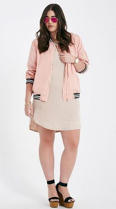 895df4e2bd2a2 How to wear the Bomber jacket plus size style