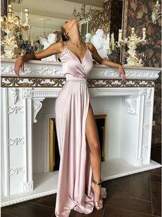 21 Bold Blue Makeup Looks Prom Dresses Long Pink, Gala Dresses, Satin Dresses, Pretty Dresses, Beautiful Dresses, Evening Dresses, Bridesmaid Dresses, Gowns, Formal Dresses