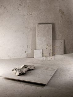 Bricmate Norrvange Granitkeramik Light Grey mm - Lilly is Love Baby Bathroom, Small Bathroom, Moroccan Bathroom, Limestone Flooring, Ceramic Light, Pole Barn Homes, Room Lights, Bathroom Interior Design, Minimalist Home