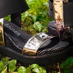 Ni en las distancias largas ni en las cortas nuestras #sandalias con cuña DELAN no te defraudarán. Atrévete con ellas!  #sixtysevenshoes #sixtyseven #sixtyfan #newcollection #newseason #ss17 #nuevacoleccion #summerinprogress #shoes #instashoes #shoestagram #stylish #shoe #shoesoftheday #shoelover #fashionshoes #trendy #sandals #sandal