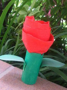 rosa reciclada sant jordi Activities To Do, Toddler Activities, Crafts For Kids, Arts And Crafts, Diy Crafts, Saint George, Spring Crafts, Flower Crafts, Cool Kids