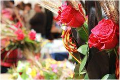 Праздник Сан Жорди в Барселоне Барселона утопает в розах Почему???  Экскурсии с barcelonababygo.com Sant Jordi Barcelona