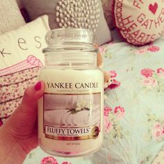 Yankee Candles are lovely and fill the room with scent - Shop op www.makeupmusthaves.nl