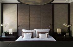 Knightsbridge Residence by Staffan Tollgard London! Interior design ideas Best interior designers Modern Bedroom Ideas #homedecorideas #modernbedoomdesign #luxuryinteriordesign Find more in: https://www.brabbu.com/en/inspiration-and-ideas/