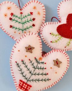 Felt Christmas Hearts these are so beautiful, I need to work on my embroidery skills a bit so I can make them! Christmas Hearts, Noel Christmas, Handmade Christmas, Christmas Gifts, Christmas Projects, Felt Crafts, Holiday Crafts, Felt Projects, Felt Diy