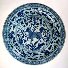 Dish with qilin, Yuan dynasty.Unknown artist potter, porcelain, decorated in underglaze blue Rijksmuseum Pottery Marks, Glazes For Pottery, Pottery Bowls, Blue And White China, Blue China, Himmelblau, China Painting, Art Nouveau, China Porcelain