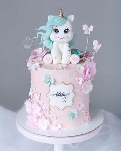 Girly Birthday Cakes, Girls First Birthday Cake, Candy Birthday Cakes, Beautiful Cake Designs, Beautiful Cakes, Cupcakes, Cupcake Cakes, Bolo Panda, Cake Designs For Kids