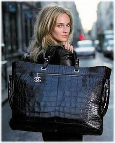 50c61591184 wholesale CHANEL tote online store, fast delivery cheap burberry handbags  Chanel Handbags, Luxury Handbags