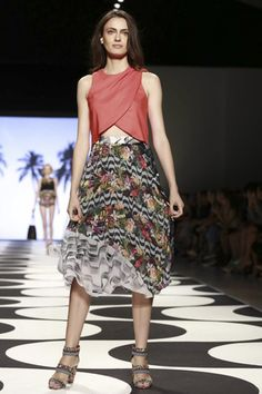Nicole Miller Ready To Wear Spring Summer 2015 New York