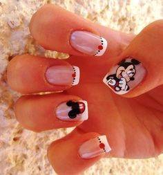 Mickey Mouse Nails              I am so getting these for Disney World