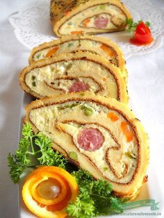 Azi va prezentam o rulada de ou aperitiv deosebita. Good Food, Yummy Food, Romanian Food, Ramadan Recipes, Foods To Eat, International Recipes, Creative Food, Appetizer Recipes, Food To Make