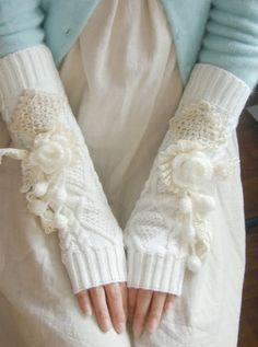 hamd warmers - dont click the link its unrelated just pinned it because they are pretty