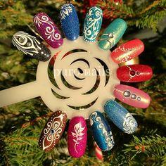 And the last time, I promise :) colors PROnail @procosmetics.pl, cat eye @blueskypolska and some mermaid effect @indigonails @beautywarld, holo glitters :) #relax #wzorniki #hybrydnails #hybryda #hybrydypronail #nailart #nailsoftheday #nails #nailartist #paznokcie #paznokciehybrydowe #piękne #christmasnails #newyearnails #woman #polishgirl #finishgirl #hobby #instanails #dlugiepaznokcie #instanails #nailsinspiration  #finnishgirl #kynsi #järvenpää #hobby #prettynails #ihanakynsilakka #kynnet