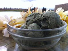 Maui-Mint Cacao Nib Raw Vegan Ice Cream. Click here to see the full recipe - www.youngandraw.c... #raw #vegan #dessert #recipe